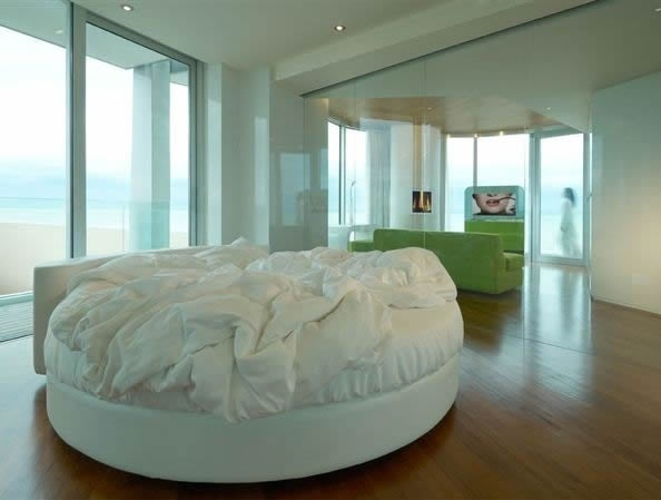 Hotel i-suite in Italy