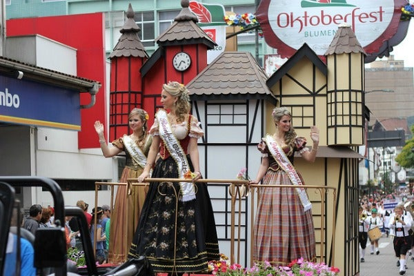 Oktoberfest 2015 Around the World