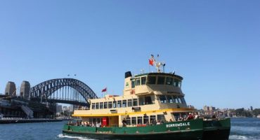 What You Should Know if You're Visiting Sydney by Ferry
