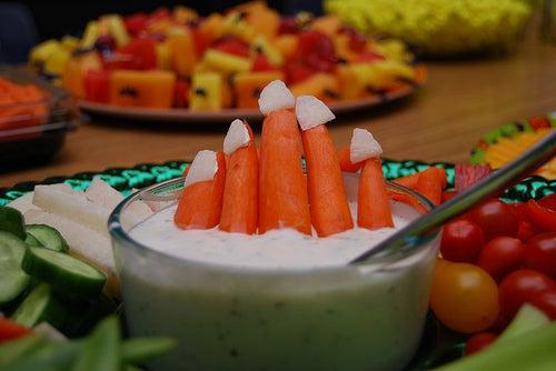 haloween dip carrot fingers