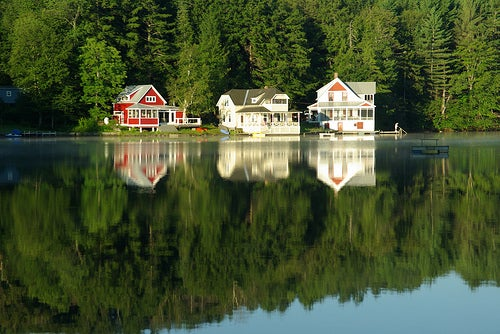 summer lake house in vermont