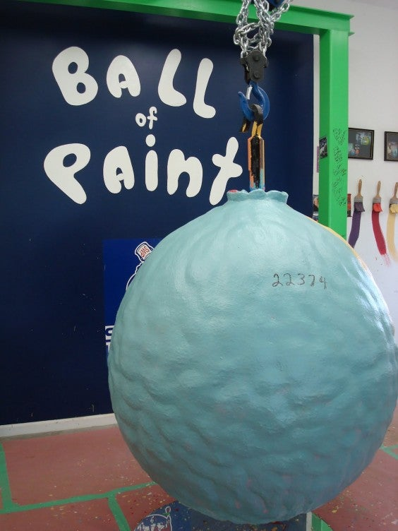 World´s Largest Ball of Paint Indiana USA