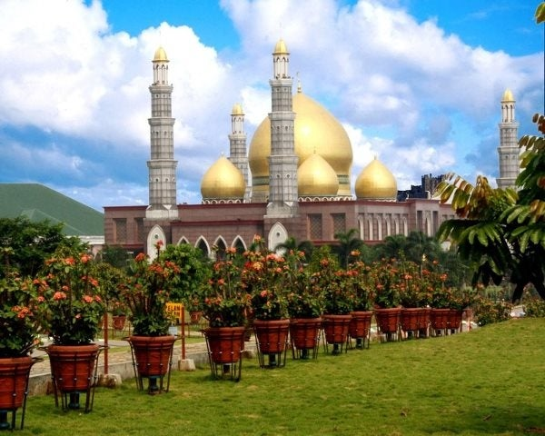 Masjid Dian Al-Mahri mosque indonesie