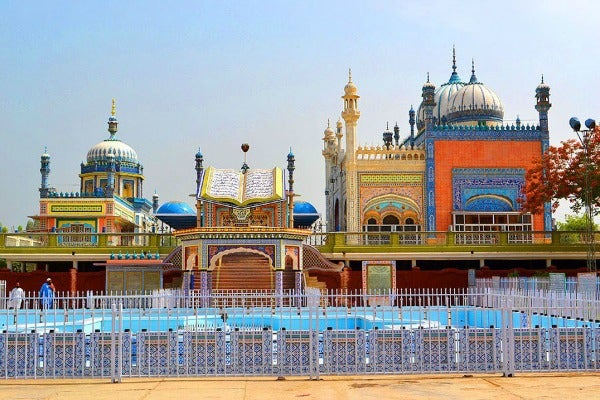 bhong mosque pakistan