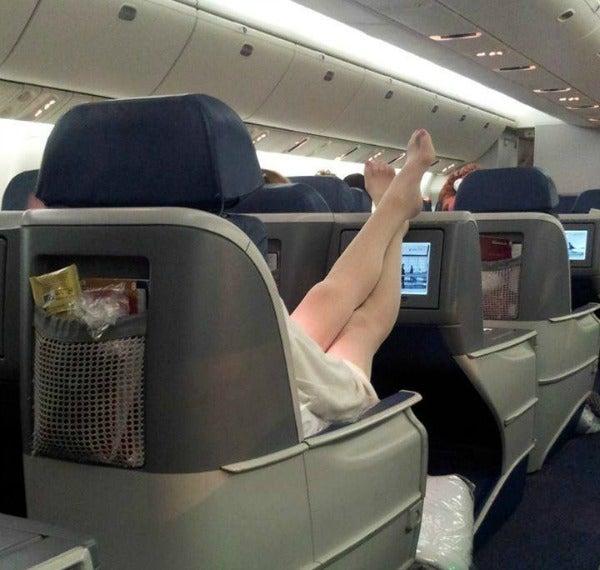 piedi sedile aereo prima classe
