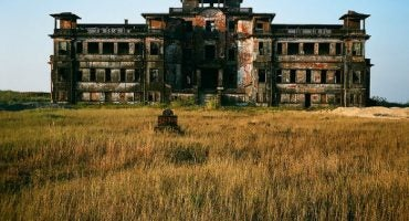 Hauntingly Beautiful Photos of Abandoned Places- Part 3