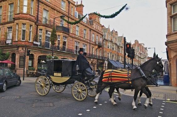 carozza con cavalli a Londra
