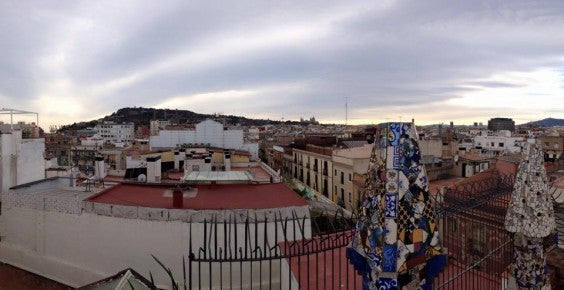 palau guell rooftop pano