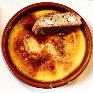 a bowl of crema catalana
