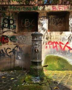 nasoni drinking fountain rome