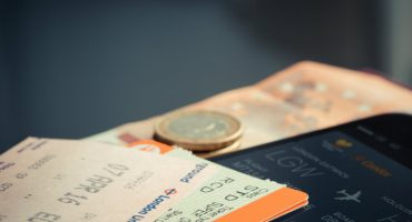 11 Tips to Save Money While Travelling
