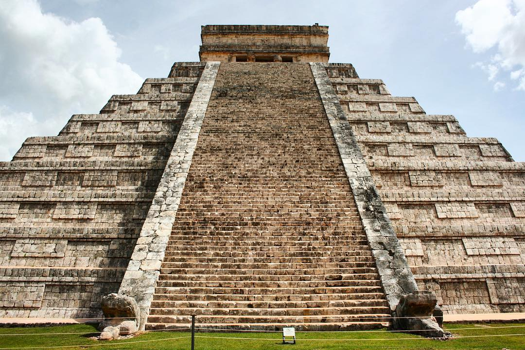the chichen itza in the yucatan peninsula mexico