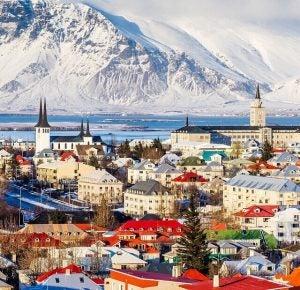 a mountainous scene in reykjavik iceland