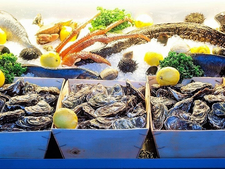 oysters on french riviera