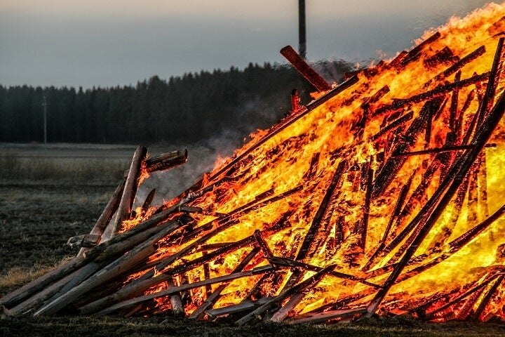 bonfire easter finland