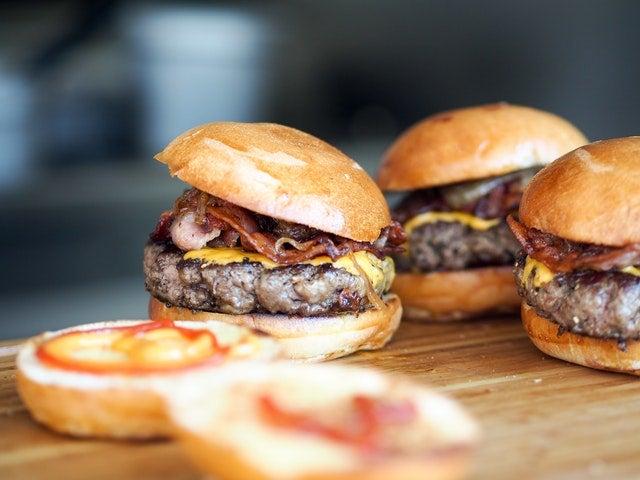 food challenge hamburgers
