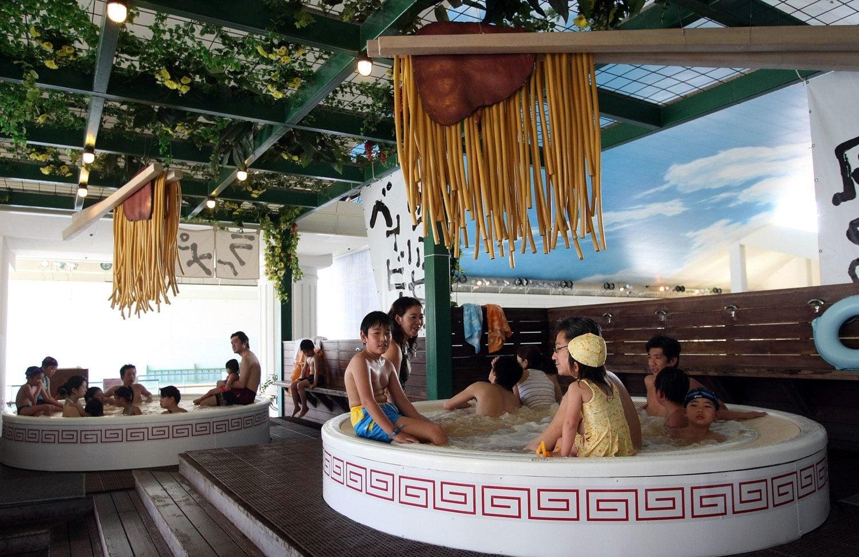 Noodle Pool in Japan