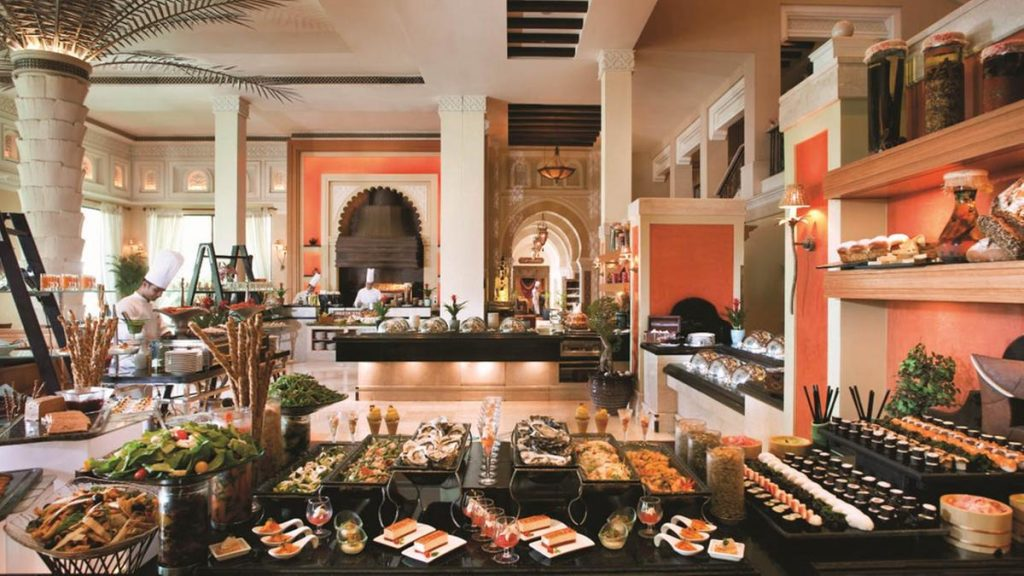 Brunch at Jumeirah Al Qasr in Dubai