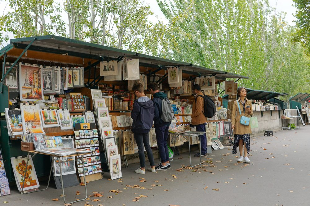 Bouquiniste on the Seine