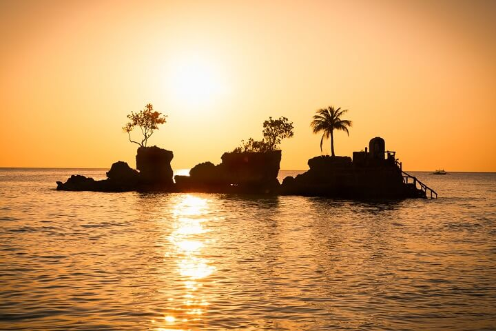 Willys Rock sunset at Boracay tropical - Philippines
