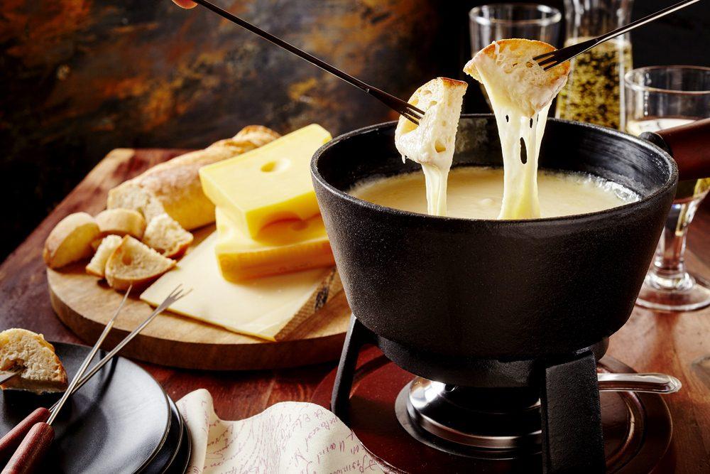 Cheese fondue - best things to eat in Geneva