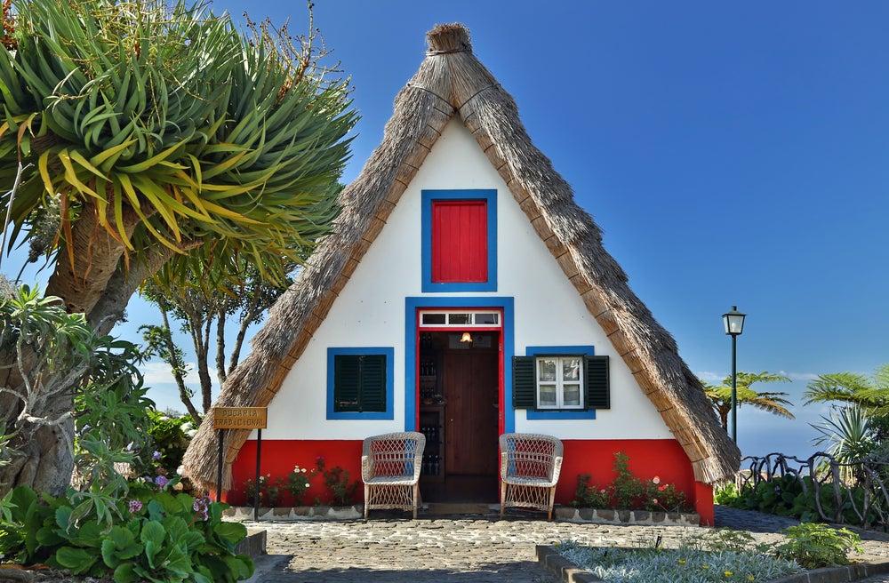 madeira traditional Santana houses