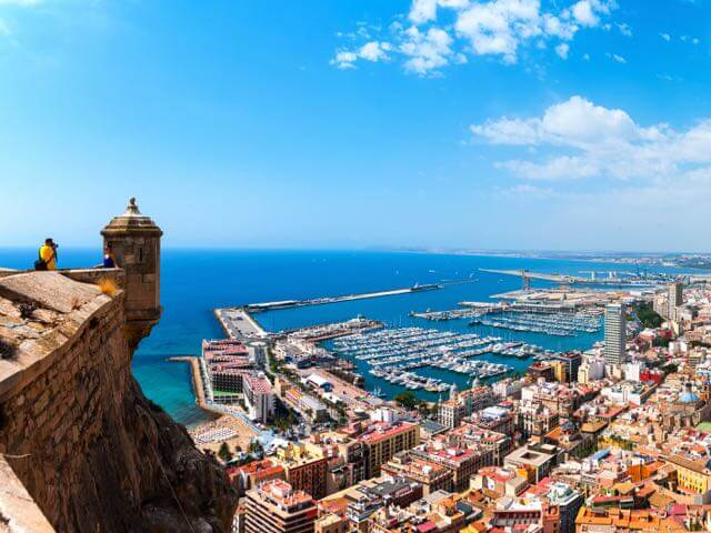 Book your holiday to Alicante with onefront-EDreams
