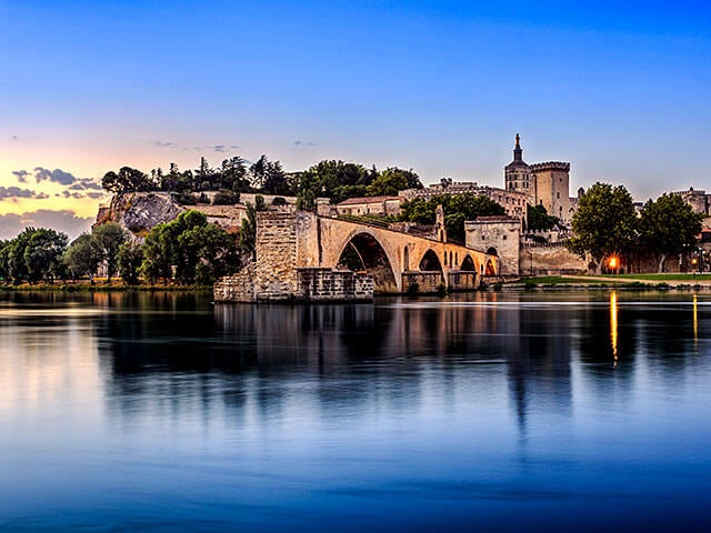Book your holiday to Avignon with onefront-EDreams