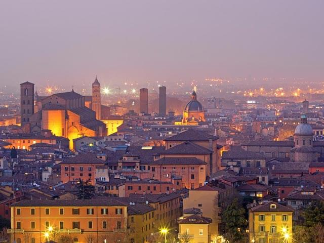 Book your holiday to Bologna with onefront-EDreams