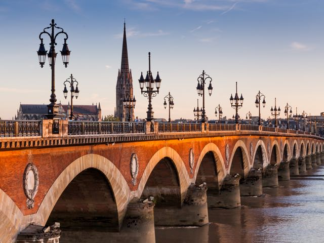 Book your holiday to Bordeaux with onefront-EDreams