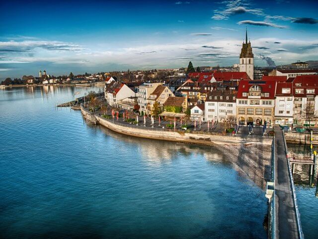 Book your holiday to Friedrichshafen with onefront-EDreams
