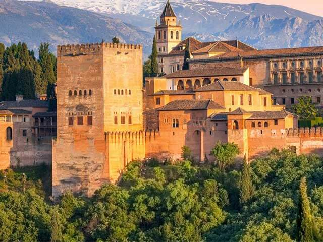 Book your holiday to Granada with onefront-EDreams