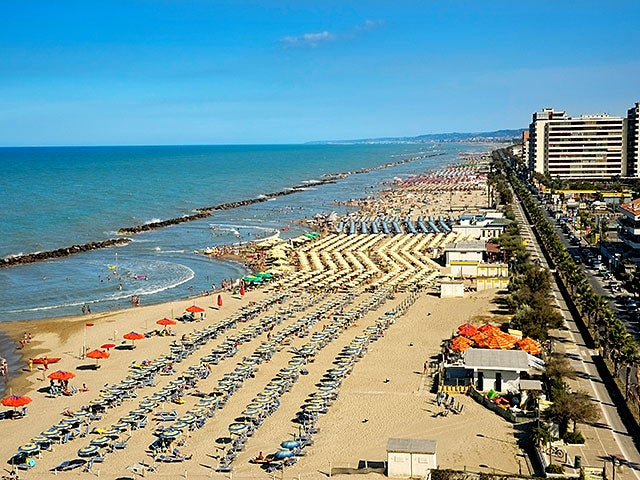 Book your holiday to Pescara with onefront-EDreams
