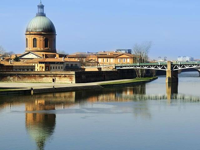 Book your holiday to Toulouse with onefront-EDreams