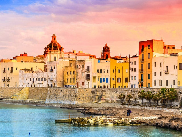 Book your holiday to Trapani with onefront-EDreams